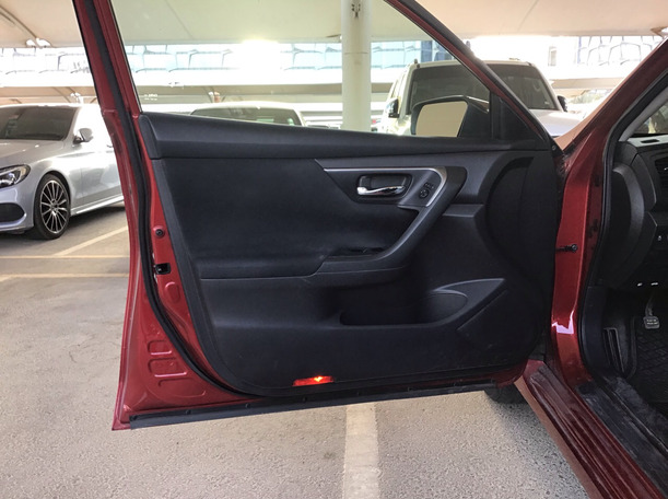 Used 2015 Nissan Altima for sale in sharjah