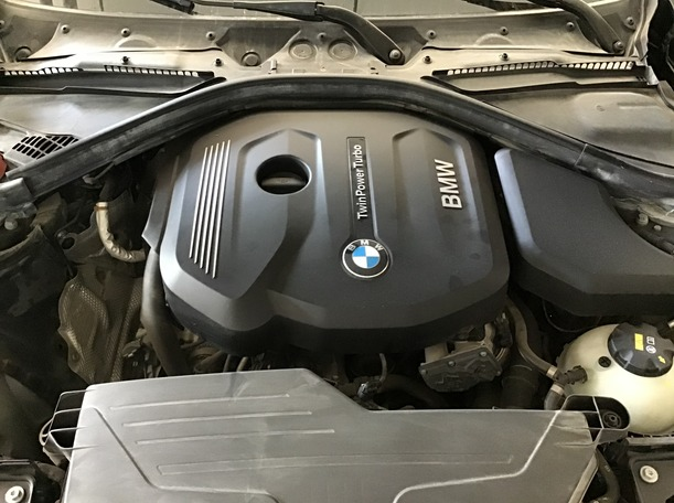 Used 2018 BMW 318 for sale in abudhabi