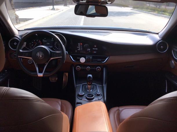 Used 2018 Alfa Romeo Giulia for sale in dubai