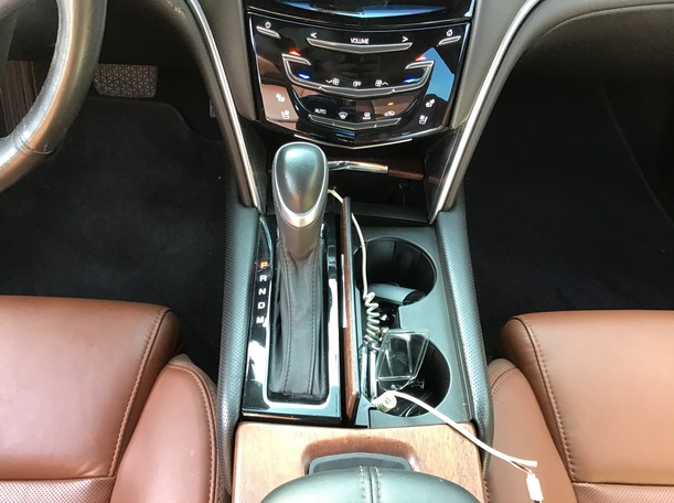 Used 2015 Cadillac XTS for sale in abudhabi