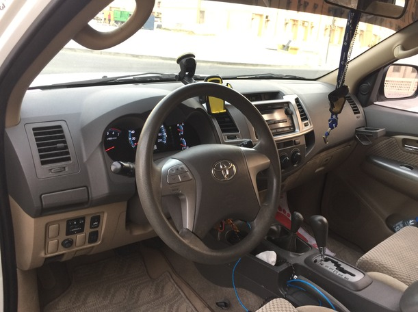 Used 2012 Toyota Fortuner for sale in dubai