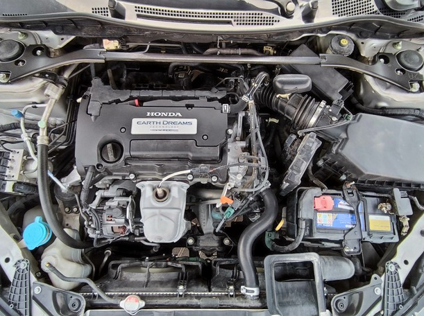 Used 2013 Honda Accord for sale in sharjah