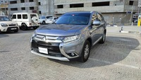 Used 2016 Mitsubishi Outlander for sale in sharjah