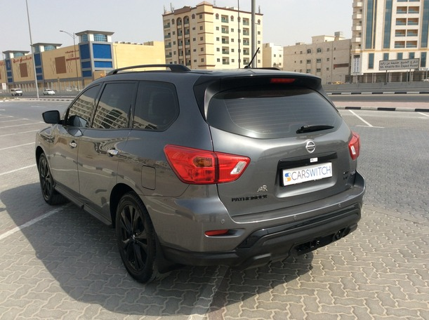 Used 2019 Nissan Pathfinder for sale in dubai