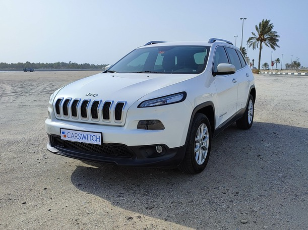 Used 2015 Jeep Cherokee for sale in sharjah
