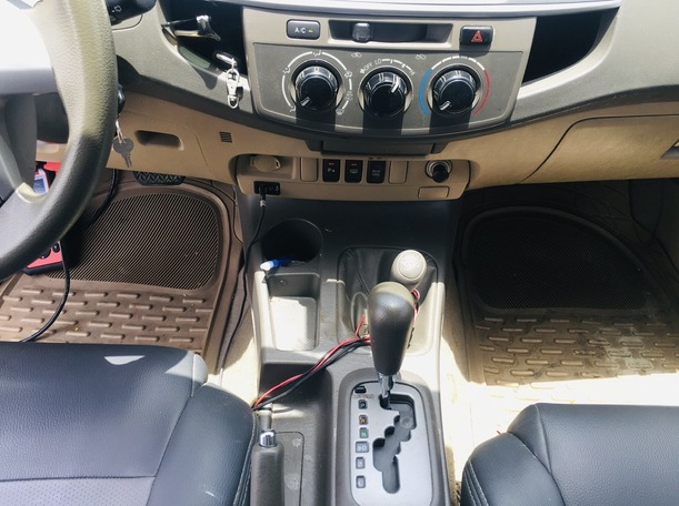 Used 2013 Toyota Fortuner for sale in dubai