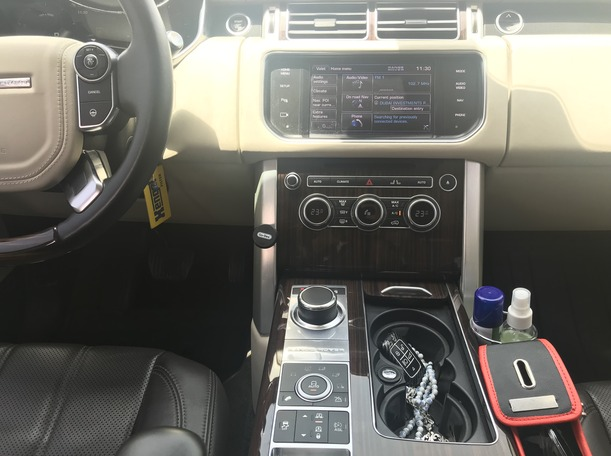 Used 2013 Range Rover Vogue for sale in dubai