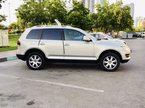 Used 2008 Volkswagen Touareg for sale in abudhabi