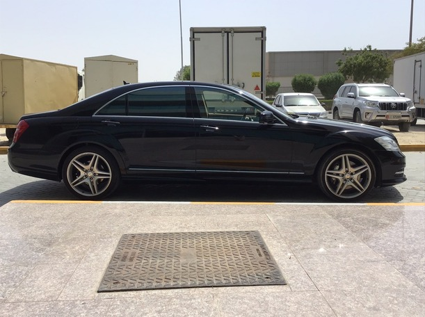 Used 2013 Mercedes S500 for sale in dubai
