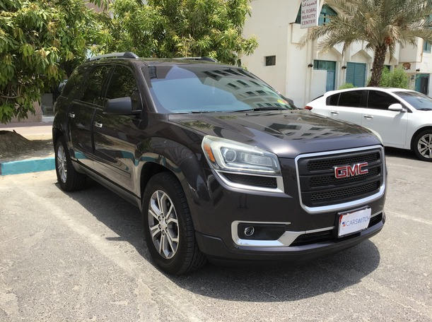 Used 2016 GMC Acadia for sale in abudhabi