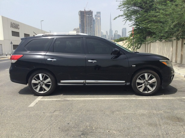 Used 2014 Nissan Pathfinder for sale in sharjah