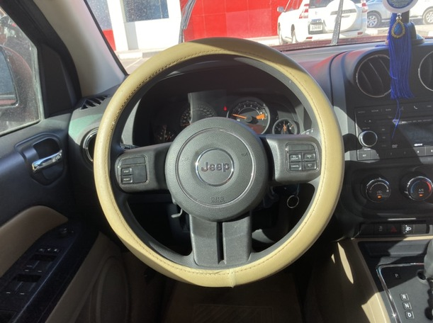 Used 2014 Jeep Compass for sale in sharjah
