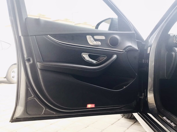 Used 2017 Mercedes E200 for sale in abudhabi