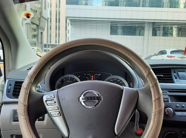 Used 2015 Nissan Sentra for sale in abudhabi