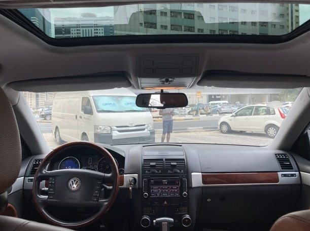 Used 2009 Volkswagen Touareg for sale in sharjah