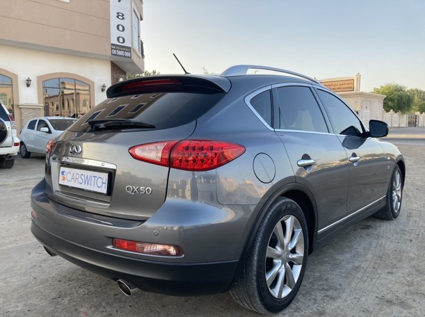 Used 2015 Infiniti QX50 for sale in sharjah