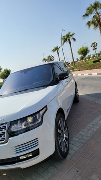 Used 2015 Range Rover Vogue for sale in sharjah