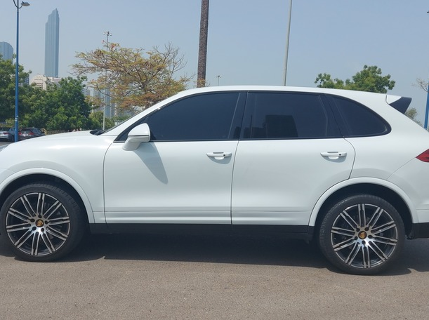 Used 2018 Porsche Cayenne for sale in abudhabi