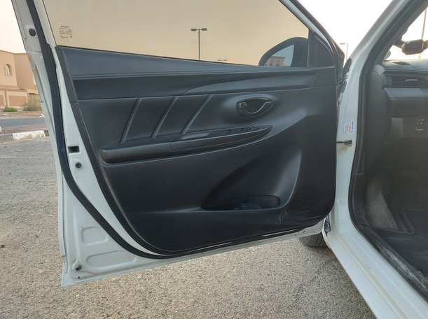 Used 2016 Toyota Yaris for sale in abudhabi