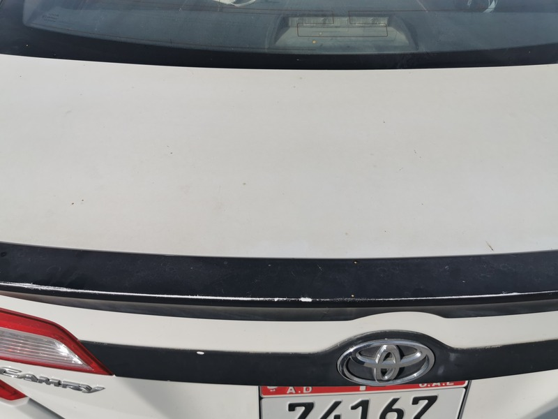 Used 2013 Toyota Camry for sale in abudhabi
