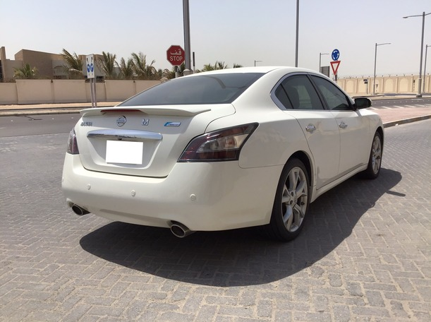 Used 2012 Nissan Maxima for sale in abudhabi