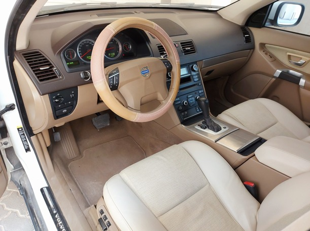 Used 2009 Volvo XC90 for sale in sharjah