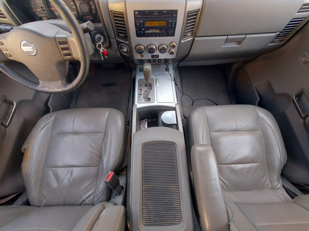 Used 2005 Nissan Armada for sale in sharjah