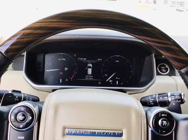 Used 2014 Range Rover Vogue for sale in dubai