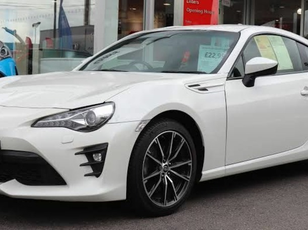 Used 2018 Toyota 86 for sale in abudhabi