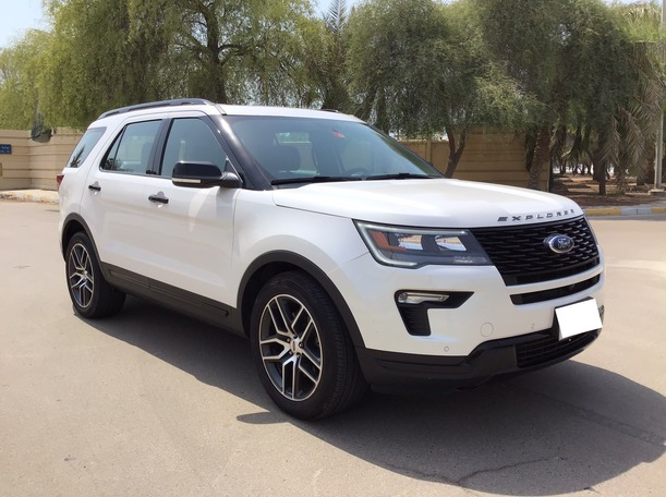 Used 2018 Ford Explorer for sale in abudhabi