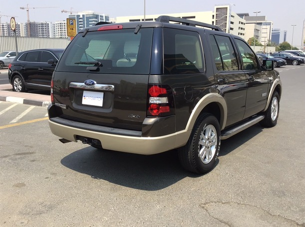 Used 2008 Ford Explorer for sale in dubai