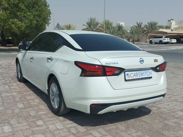 Used 2020 Nissan Altima for sale in abudhabi