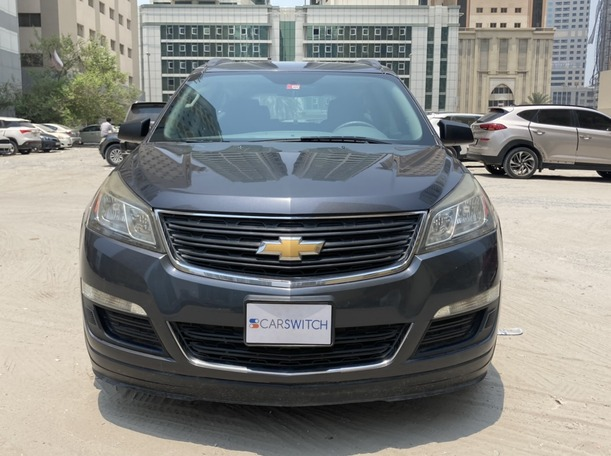 Used 2013 Chevrolet Traverse for sale in sharjah