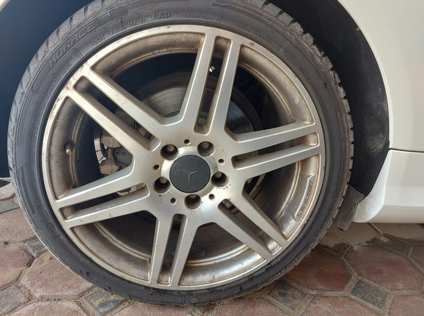 Used 2011 Mercedes E500 for sale in abudhabi