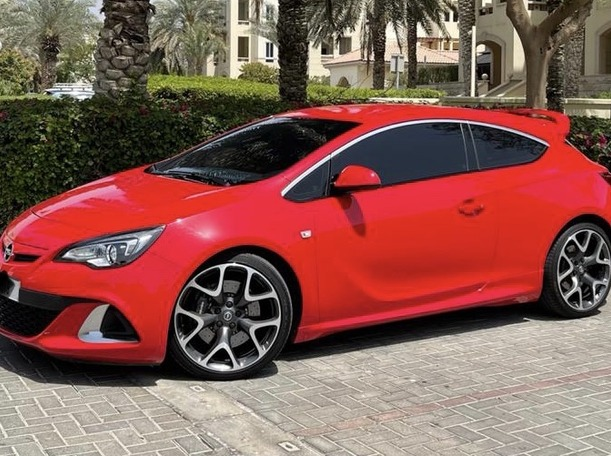 Used 2015 Opel Astra for sale in dubai