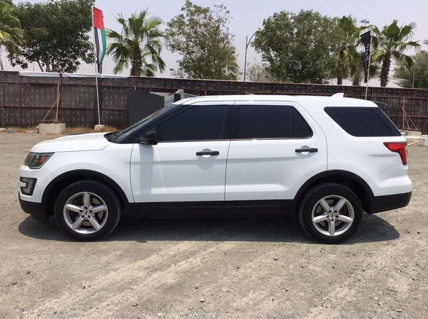 Used 2016 Ford Explorer for sale in dubai
