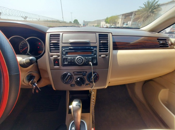 Used 2011 Nissan Tiida for sale in sharjah