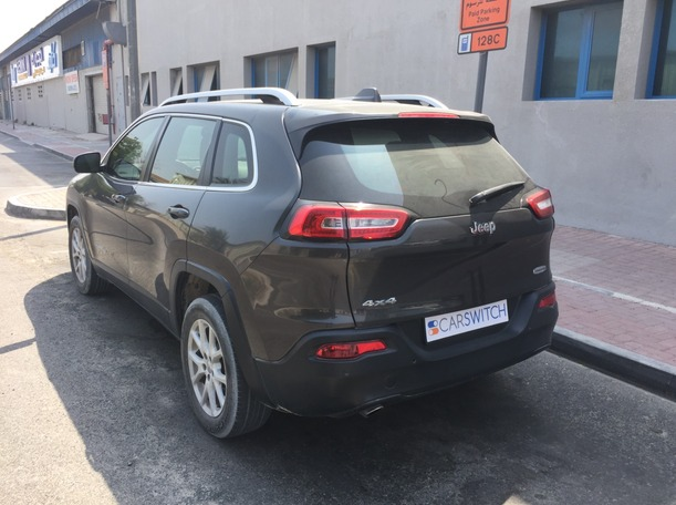 Used 2016 Jeep Cherokee for sale in dubai