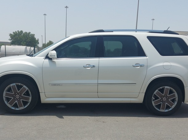 Used 2012 GMC Acadia for sale in abudhabi