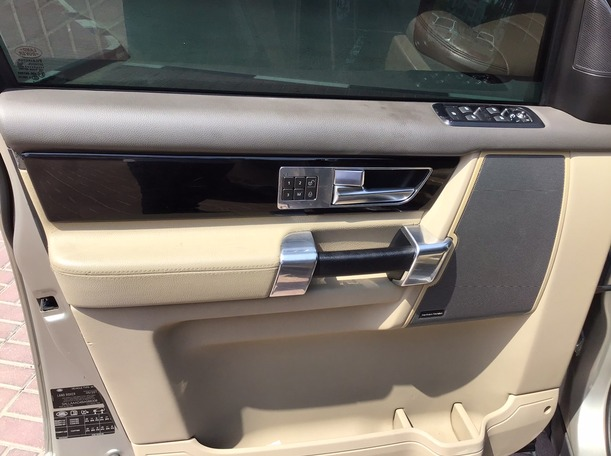 Used 2011 Land Rover LR4 for sale in dubai