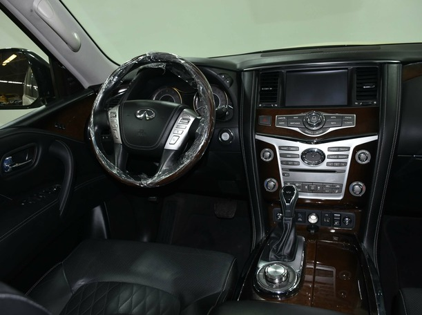Used 2019 Infiniti QX80 for sale in sharjah