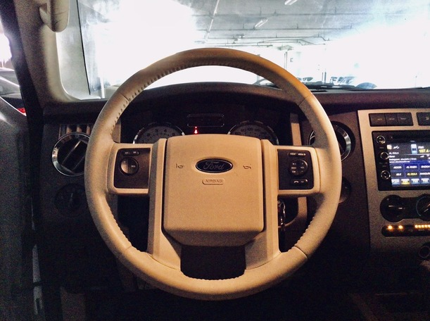 Used 2014 Ford Expedition for sale in dubai