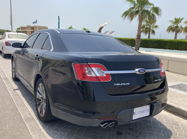 Used 2012 Ford Taurus for sale in dubai