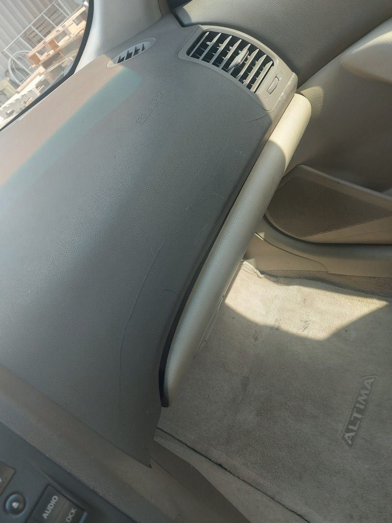Used 2009 Nissan Altima for sale in abudhabi