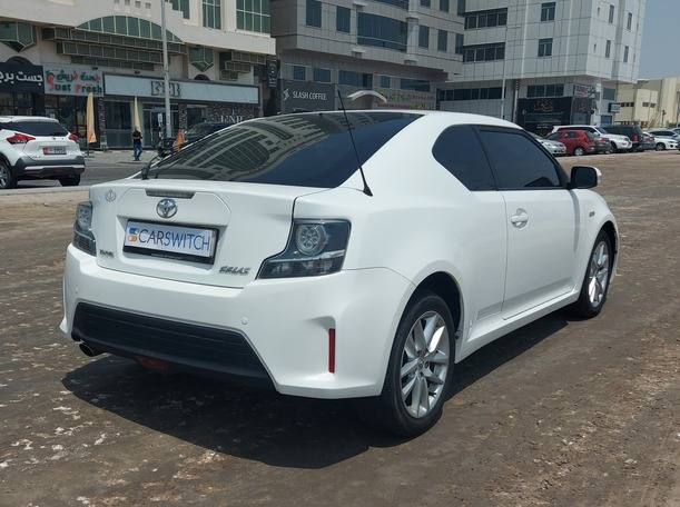 Used 2014 Toyota Zelas for sale in abudhabi