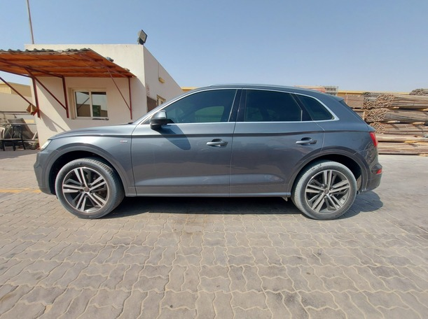 Used 2018 Audi Q5 for sale in sharjah