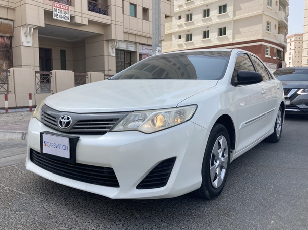 Used 2012 Toyota Camry for sale in dubai