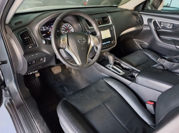 Used 2017 Nissan Altima for sale in sharjah