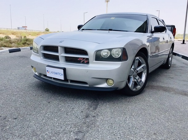Used 2009 Dodge Charger for sale in dubai