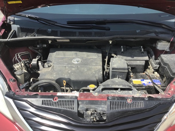 Used 2012 Toyota Sienna for sale in dubai